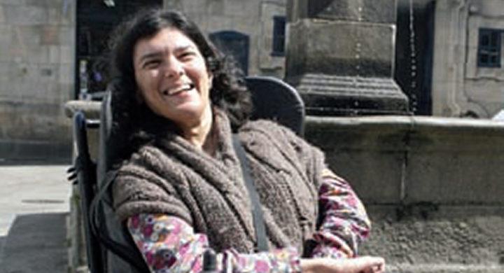 Anxela López Leiceaga na praza do Toural