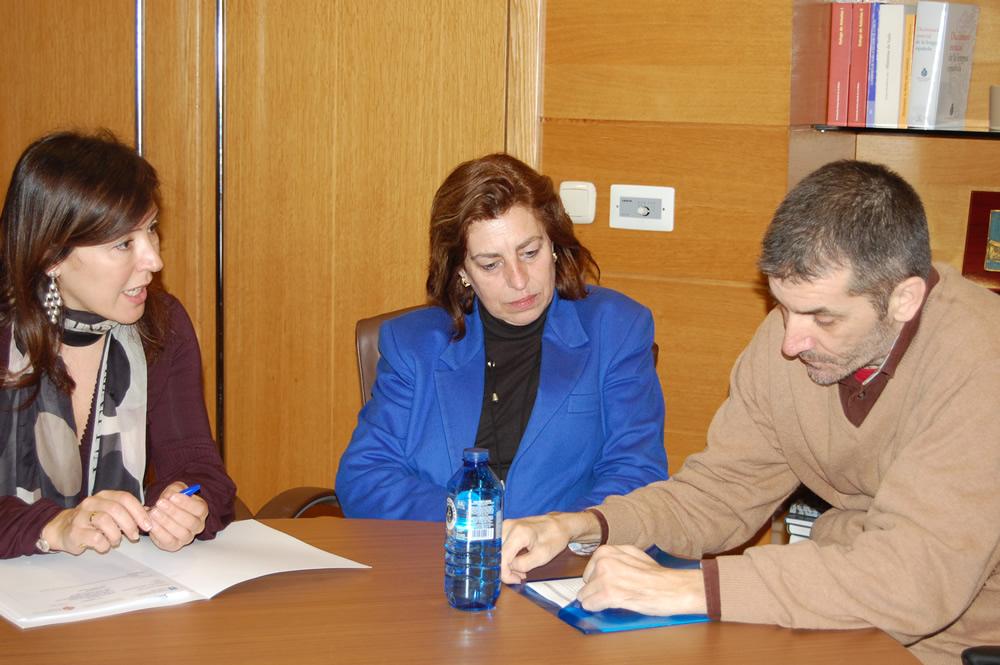 De esquerda a dereita: Beatriz Mato, Coro Piñeiro e Jose Antonio Nóvoa
